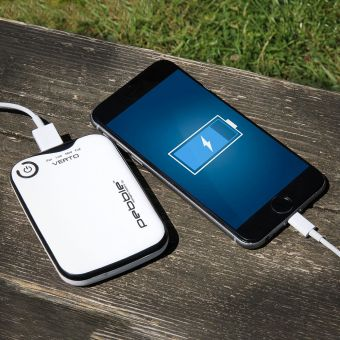 Pebble Verto Portable Battery Pack 1