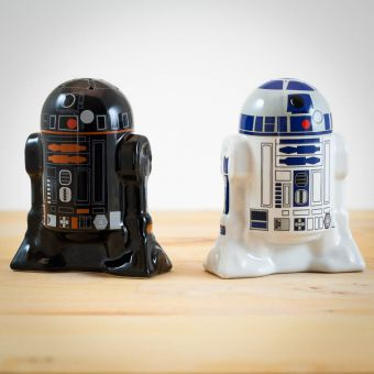 Star Wars R2D2 & R2Q5 Salt & Pepper Shakers