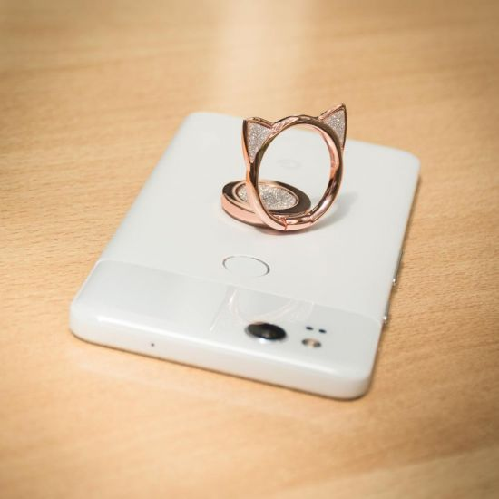 Glitter Phone Ring Cat on a white Pixel 2