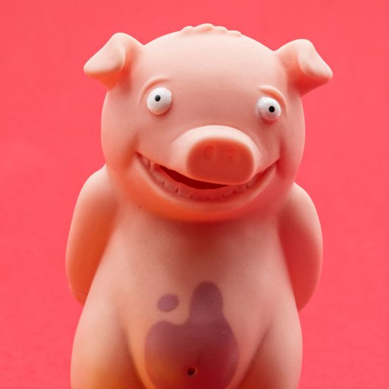 Stinky Pig Game Red Background