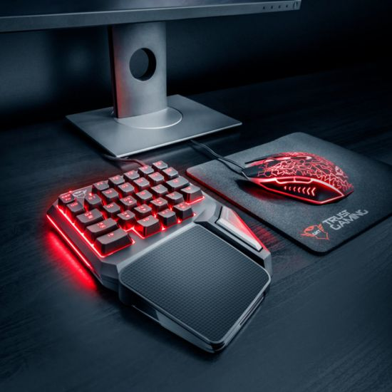 GXT 888 Assa Single Handed Keyboard - Lifestyle