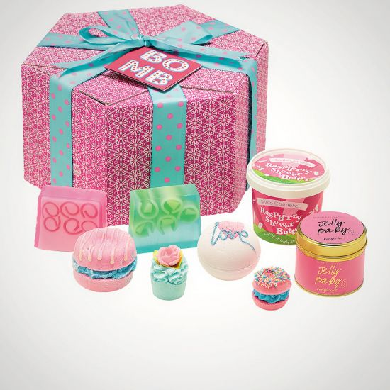 Bomb Cosmetics the Bomb Gift Pack - Grey Background