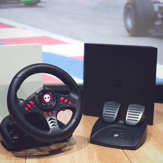 Multiformat Steering Wheel with Pedals - Lifestyle