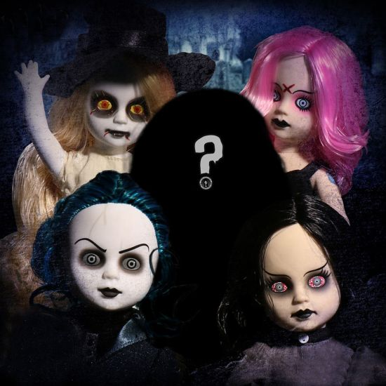 Living Dead Dolls 20th Anniversary Set - Lifestyle