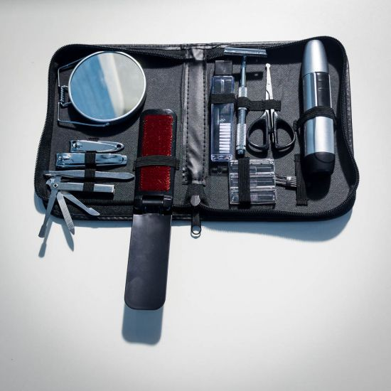 Grooming Kit with Trimmer 1
