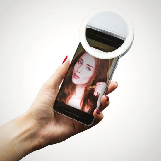 Clip-On Circular Selfie Light – MenKind Exclusive - Lifestyle