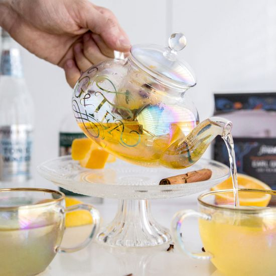 G&Tea Glass Teapot pouring into cup
