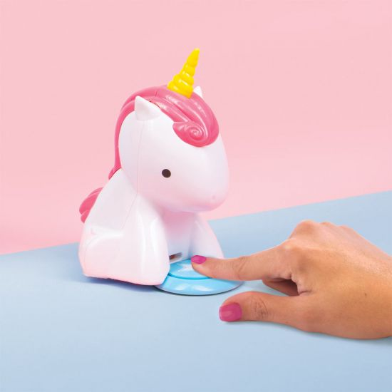 Unicorn Nail Dryer-Lifestyle