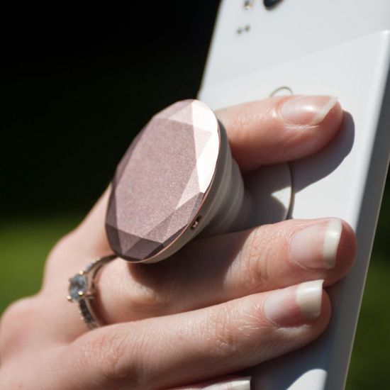PopSocket Diamound attached to a phone
