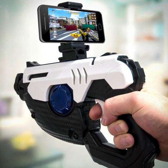 Super AR Gun for Android and iOS with phone in playing game