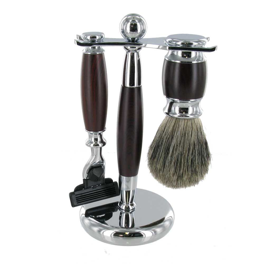 Traditional Shaving Set. Features Razor And Badger Brush