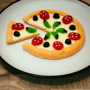 Make Your Own Gummy Pizza